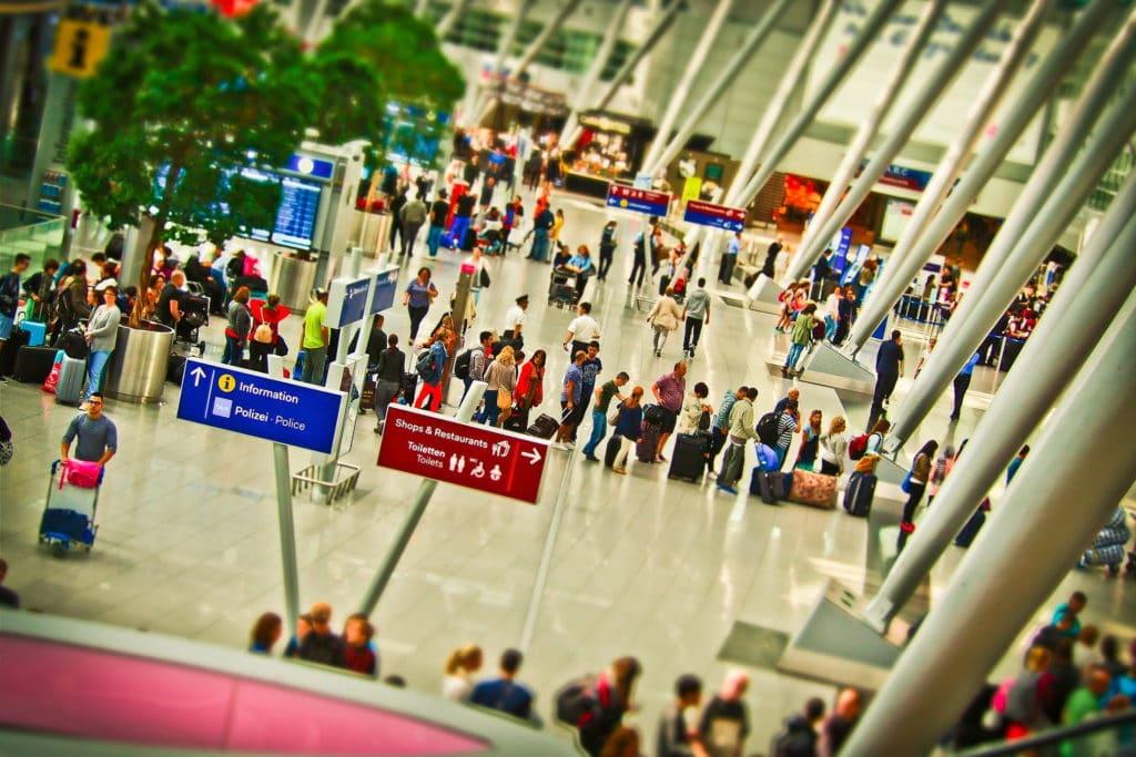 Aufgabegepäck Gepäck Flughafen